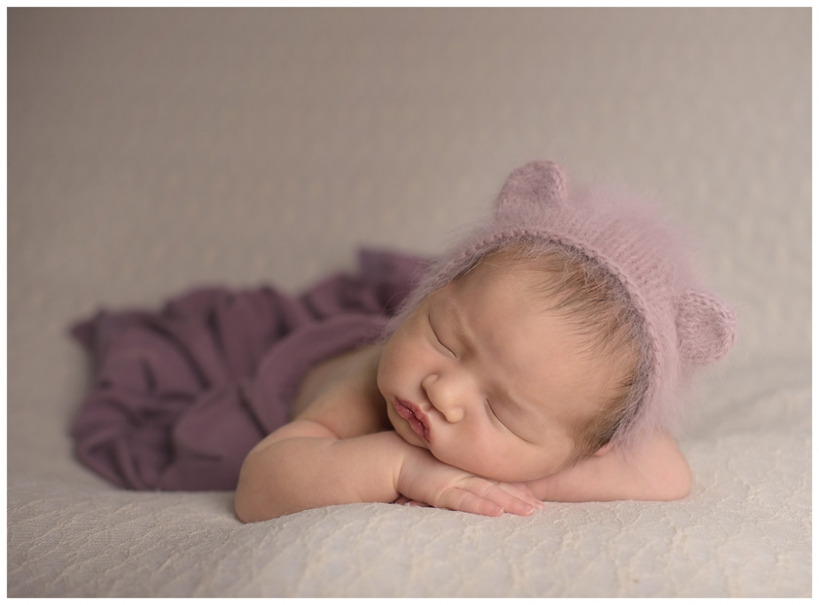beautiful-image-of-newborn-girl-in-toronto